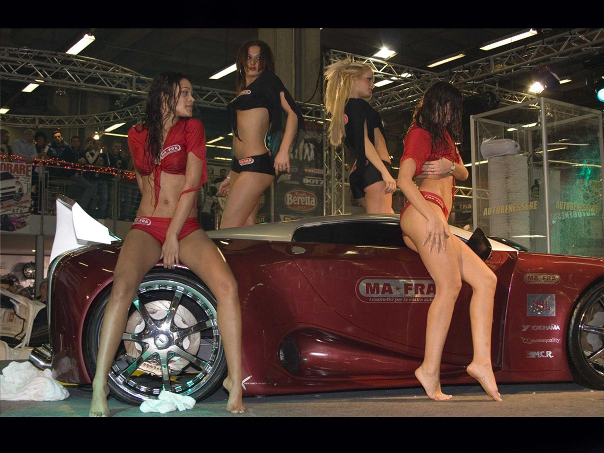 Голые девушки и автомобили  девушки на мотоциклах Фото